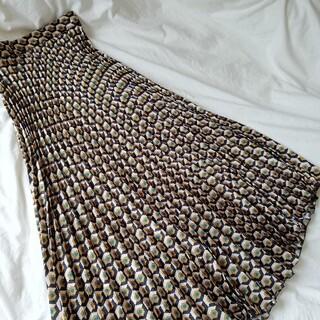 ザラ(ZARA)の幾何学模様がモードでかっこいいプリーツスカート/ロング(ロングスカート)