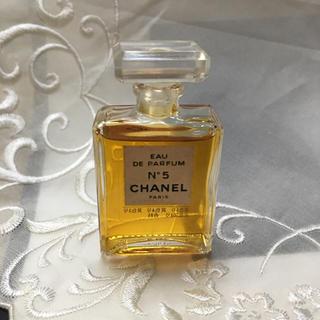 a583c9c53d03 シャネル ブローチ 香水 レディースの通販 4点   CHANELのコスメ/美容を ...