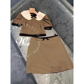 miumiu - 大人気 MiuMiu tシャツ スカート2枚