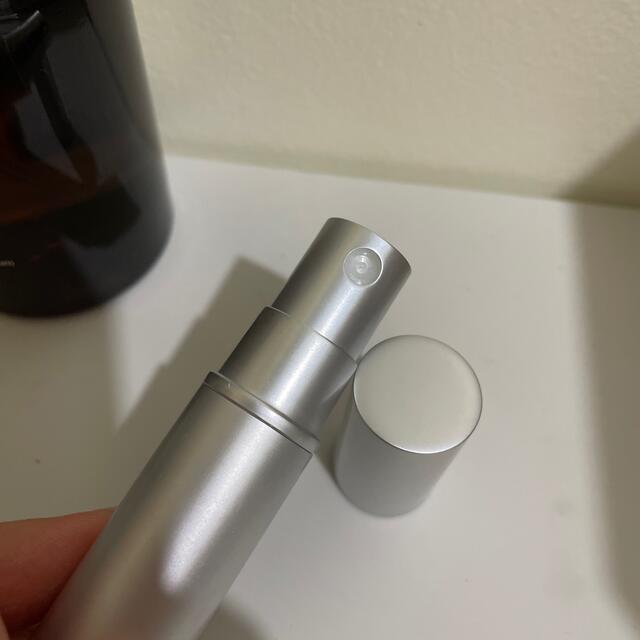 Aesop(イソップ)のaesop ヒュイル 50ml オードパルファム ほぼ未使用 コスメ/美容の香水(ユニセックス)の商品写真