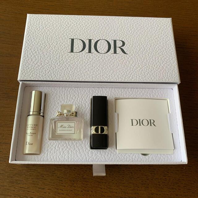 Christian Dior(クリスチャンディオール)のlily様専用♡新品未使用♡ディオール♡ビューティーディスカバリーキット コスメ/美容のキット/セット(サンプル/トライアルキット)の商品写真