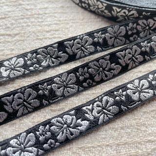 チロリアンテープ 刺繍リボン お花柄 シルバー 2m(その他)