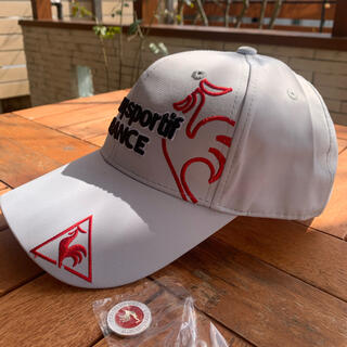 le coq sportif - 薄いグレー マーカー付き ルコックスポルティフ  ゴルフ帽子 キャップ 新品