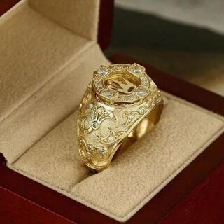 とてもの丁寧な細かい彫刻 CZダイヤで高級感 ゴールドリング