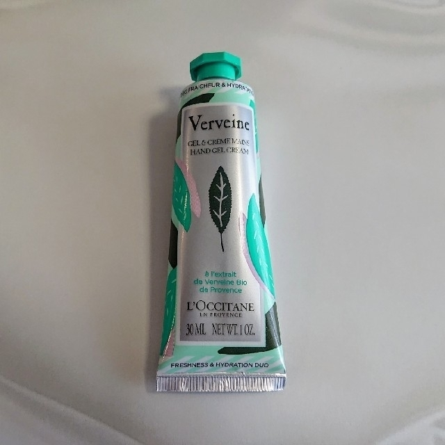 L'OCCITANE(ロクシタン)の新品★ロクシタン ヴァーベナ バイカラーハンドクリーム コスメ/美容のボディケア(ハンドクリーム)の商品写真