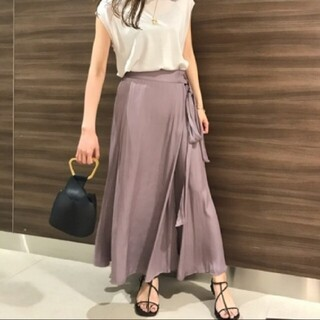 Mila Owen - 着用1度のみ サテンマキシ丈巻きスカート