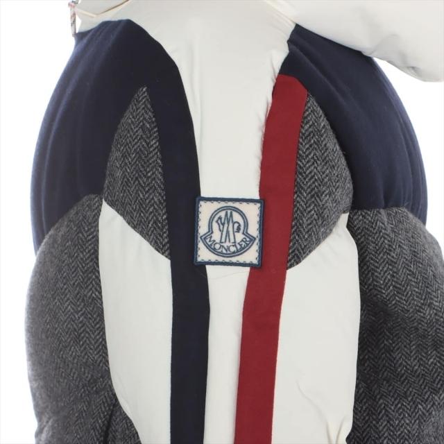 MONCLER(モンクレール)のモンクレールガムブルー  ウール 5 グレー メンズ その他アウター メンズのジャケット/アウター(その他)の商品写真