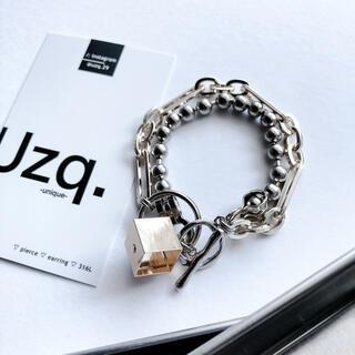 STUDIOUS - 【122】キューブチャームのチェーンブレスレット