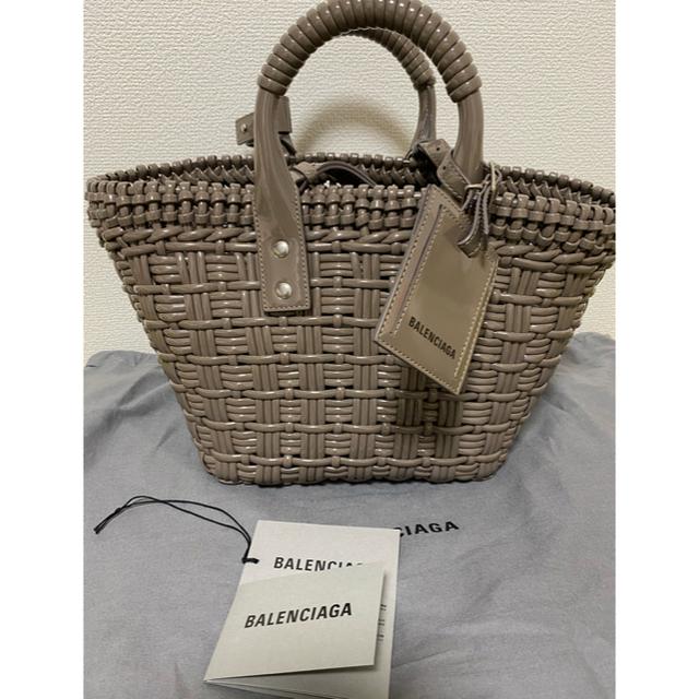 Balenciaga(バレンシアガ)のバレンシアガ  ビストロ  カゴバッグXS  日本限定色 新品 アッシュブラウン レディースのバッグ(ショルダーバッグ)の商品写真
