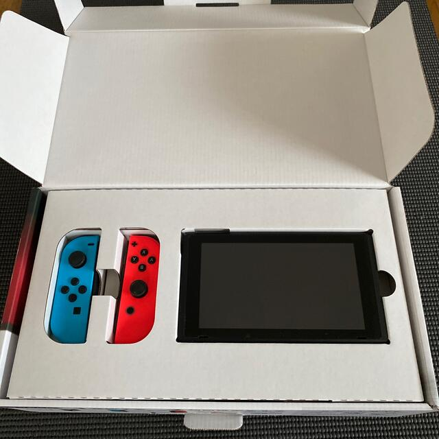Nintendo Switch  栗の助様専用 エンタメ/ホビーのゲームソフト/ゲーム機本体(家庭用ゲーム機本体)の商品写真