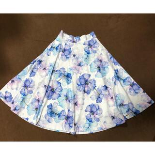 プールスタジオ(pool studio)のプールスタジオ  アリヴィエ デジタルフラワー スカート(ひざ丈スカート)