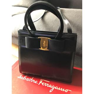 Salvatore Ferragamo - 美品♡Ferragamo フェラガモ ヴァラ ハンドバッグ ブラック リボン