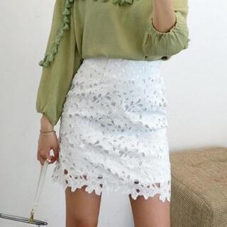 ディーホリック(dholic)のフラワー刺繍レーススカート(ホワイト)(ミニスカート)