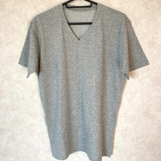 ユニクロ(UNIQLO)のユニクロ Vネック Tシャツ Mサイズ 未使用 グレー(コスプレ用インナー)