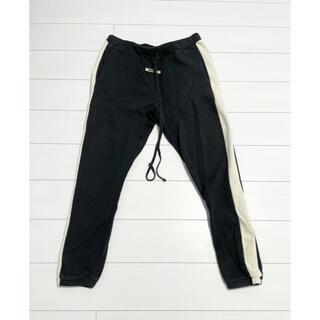 フィアオブゴッド(FEAR OF GOD)のEssentials side stripe sweat pants(その他)