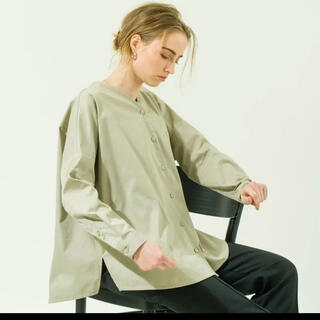 DEUXIEME CLASSE - yonfa v neck loose shirts