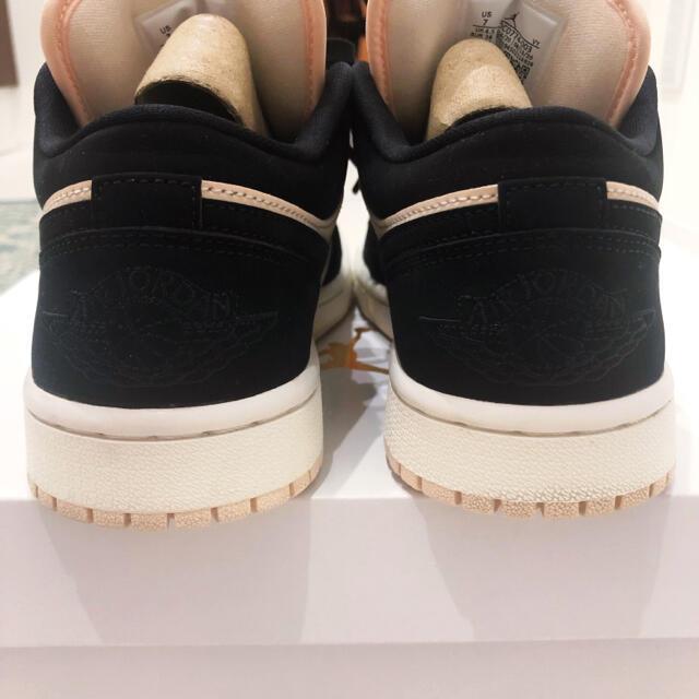 NIKE(ナイキ)の【美品】ジョーダン 1 LOW グァバ DC0774-003 24cm レディースの靴/シューズ(スニーカー)の商品写真