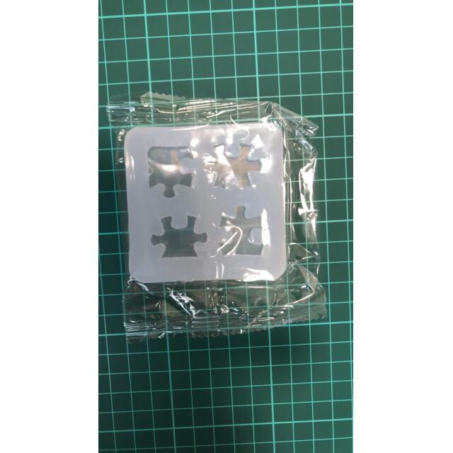 S36.パズル シリコンモールド 韓国 シリコンモールド レジン アクセサリー ハンドメイドの素材/材料(各種パーツ)の商品写真