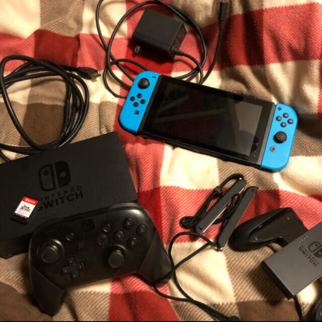 Nintendo Switch(ニンテンドースイッチ)のswitch 本体 エンタメ/ホビーのゲームソフト/ゲーム機本体(家庭用ゲーム機本体)の商品写真