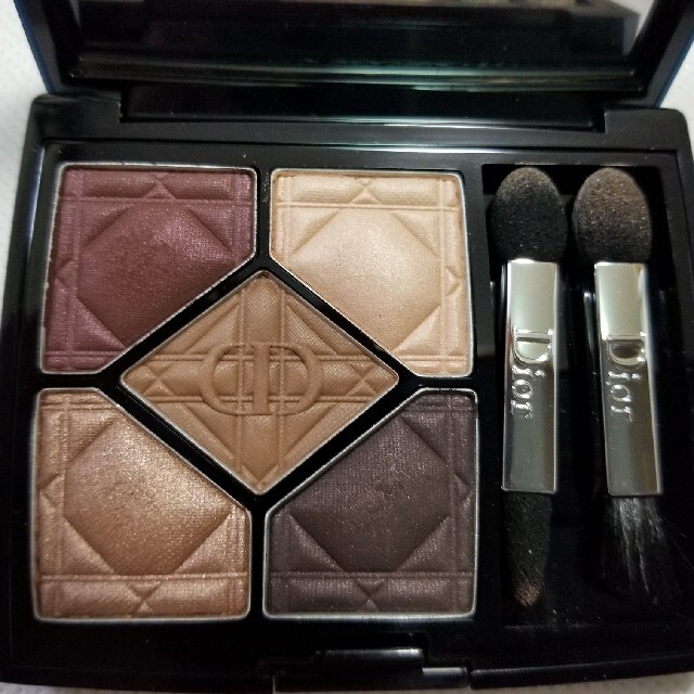 Dior(ディオール)の残量8割程度 ディオールサンククルール コスメ/美容のベースメイク/化粧品(アイシャドウ)の商品写真