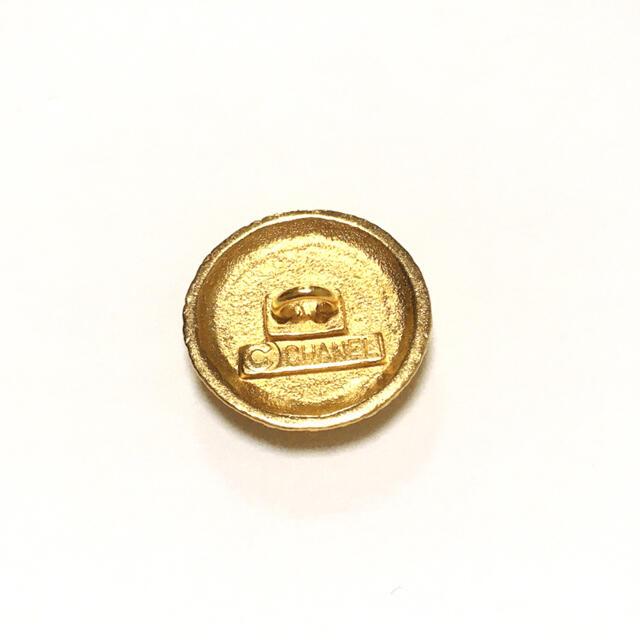 CHANEL(シャネル)のシャネル ボタン 1個 ハンドメイドの素材/材料(各種パーツ)の商品写真
