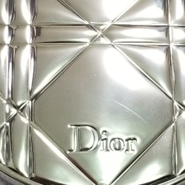 Dior(ディオール)の残量9割程度 ディオールフェイスパウダー コスメ/美容のベースメイク/化粧品(フェイスパウダー)の商品写真