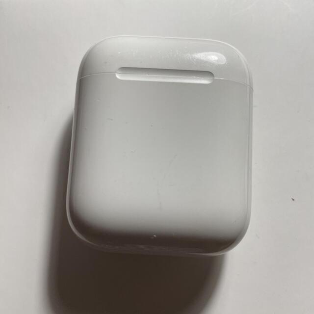 Apple(アップル)のAirPods 第2世代 充電ケース Apple国内純正品 スマホ/家電/カメラのオーディオ機器(ヘッドフォン/イヤフォン)の商品写真