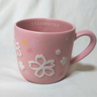 スターバックスコーヒー(Starbucks Coffee)のスタバSAKURA2019オンライン限定品☆マグラインエンボス さくらマグカップ(グラス/カップ)