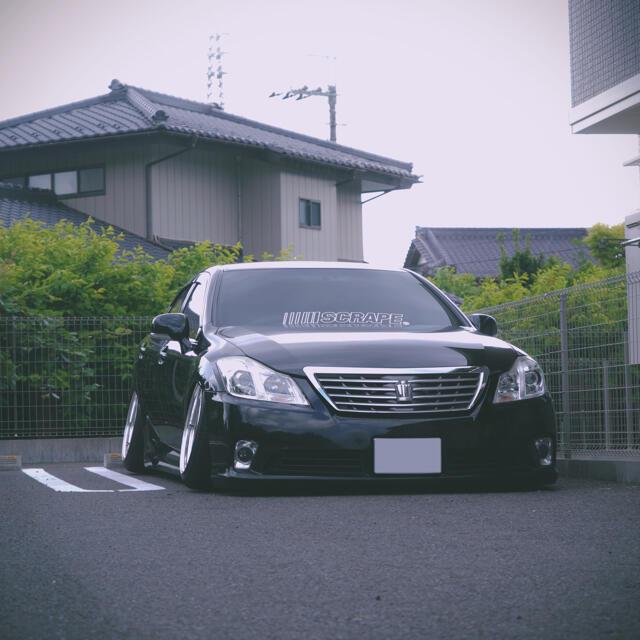 トヨタ(トヨタ)の200系クラウンロイヤル (最上級Gグレード) 自動車/バイクの自動車(車体)の商品写真