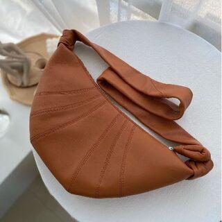 lemaire クロワッサン型 スモールショルダーバッグ