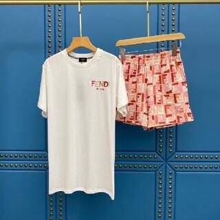 フェンディ(FENDI)のfendiTシャツとショットパンツセットアップ(セット/コーデ)