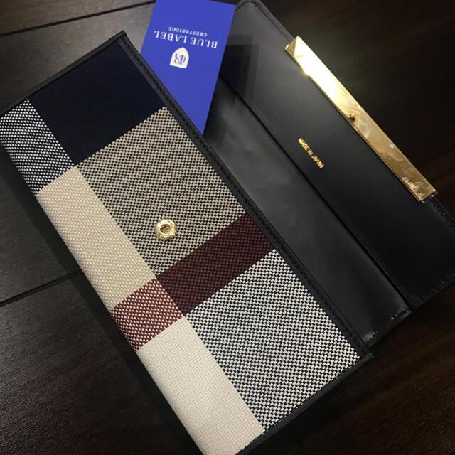 BURBERRY BLUE LABEL(バーバリーブルーレーベル)のクレストブリッジ ブルーレーベル  ベージュチェック柄 長財布  レディースのファッション小物(財布)の商品写真