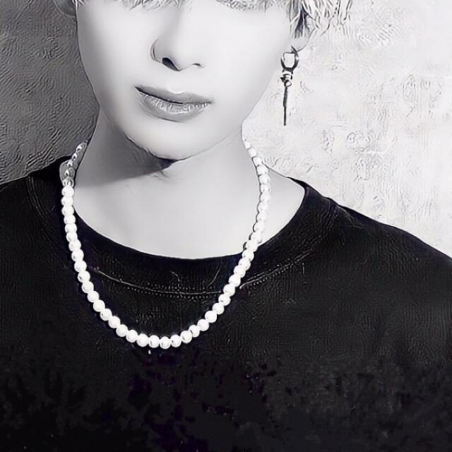 【最終お値下げ】【美品】 ホワイトパールネックレス チェーンアジャスター付き  メンズのアクセサリー(ネックレス)の商品写真