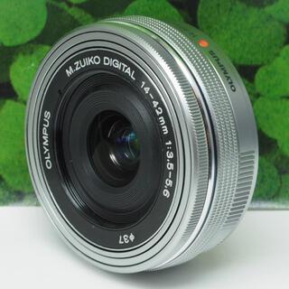 オリンパス(OLYMPUS)の【美品】オリンパスM.ZUIKO12-42mm ⭐️パンケーキズームレンズ(レンズ(ズーム))