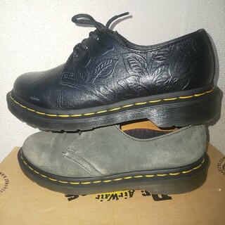 ドクターマーチン(Dr.Martens)のdr.martens 3ホール 花柄 型押し uk5 2足セット(ローファー/革靴)