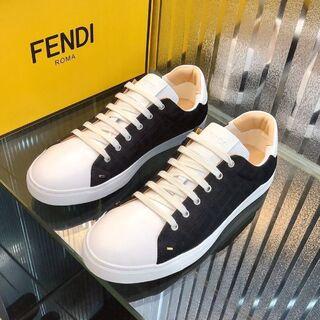 FENDI  スニーカー