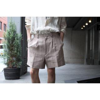コモリ(COMOLI)のauralee linen silk shark shorts 新品未使用(ショートパンツ)