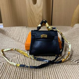 バッグ型チャーム ミニ ブラック 本革 ゴールド金具 バッグチャーム ケリー型