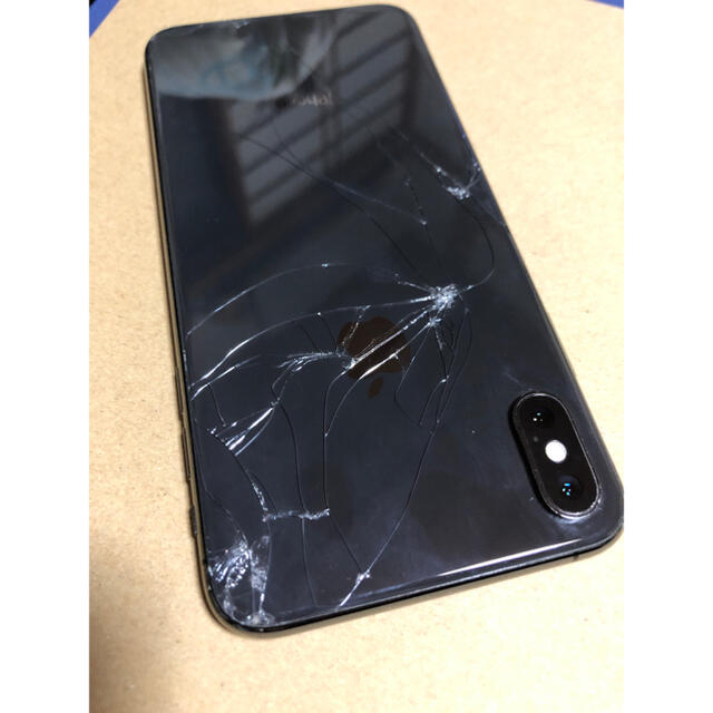 Apple(アップル)のiPhone XS Max 64GB SiMフリー  スマホ/家電/カメラのスマートフォン/携帯電話(スマートフォン本体)の商品写真