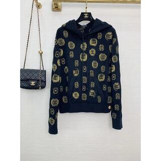 CHANEL - CHANEL CCロゴ刺繍フード付きセーター