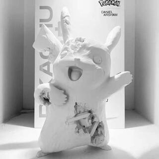 daniel arsham Corroded Pikachu ornaments(彫刻/オブジェ)