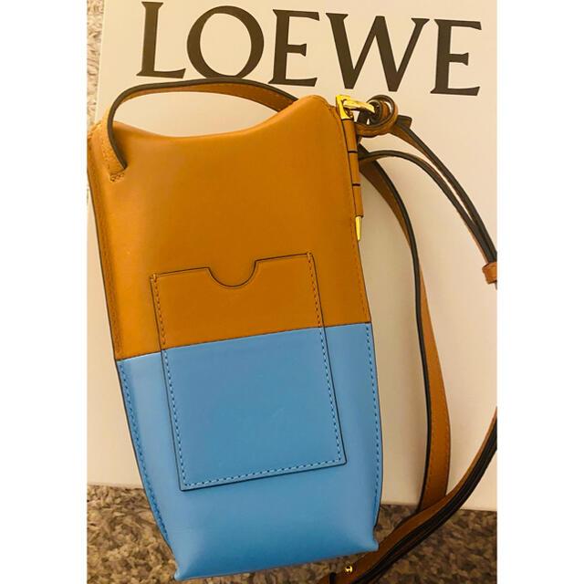 LOEWE(ロエベ)のロエベ  ゲート ポケットポーチ ブルータン レディースのバッグ(ショルダーバッグ)の商品写真