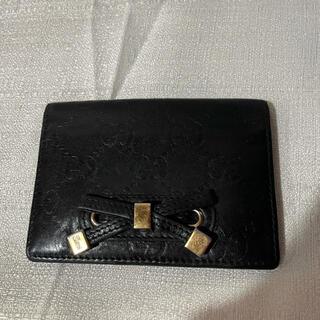グッチ(Gucci)の本革レザーグッチ GUCCI カードケース 定期入れレディース黒ブラックリボン(名刺入れ/定期入れ)