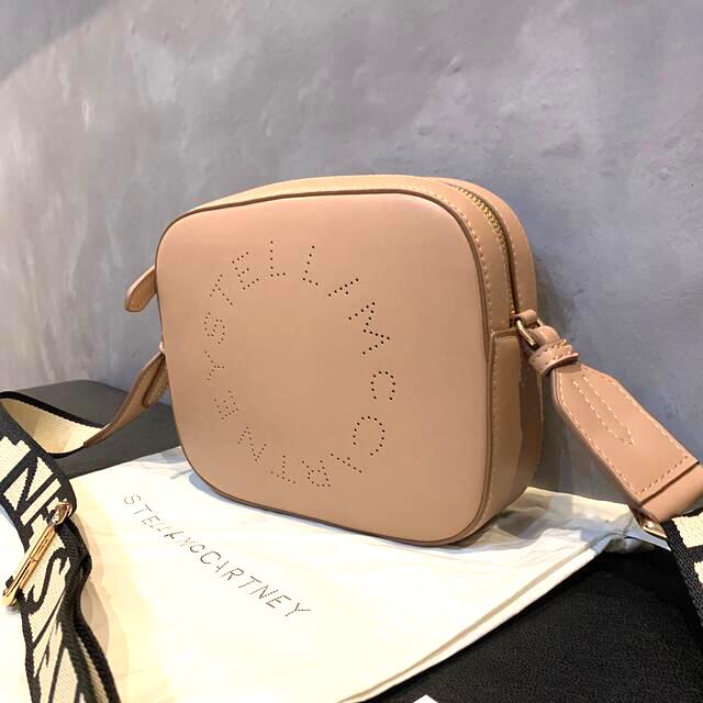 Stella McCartney(ステラマッカートニー)のステラマッカートニー ステラ ロゴ ミニ バッグ ショルダー レディースのバッグ(ショルダーバッグ)の商品写真