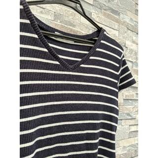 バックナンバー(BACK NUMBER)のVネック ボーダーTシャツ ネイビー(Tシャツ(半袖/袖なし))