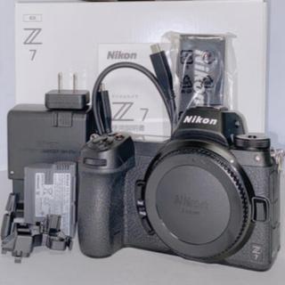 ニコン(Nikon)の【新品FTZ付き】 Nikon Z7 ボディ 本体 & ftzマウントアダプター(ミラーレス一眼)