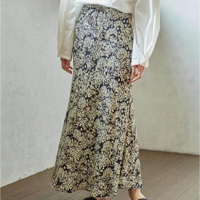 Mila Owen(ミラオーウェン)のmila owen花柄マーメイドスカート レディースのスカート(ロングスカート)の商品写真