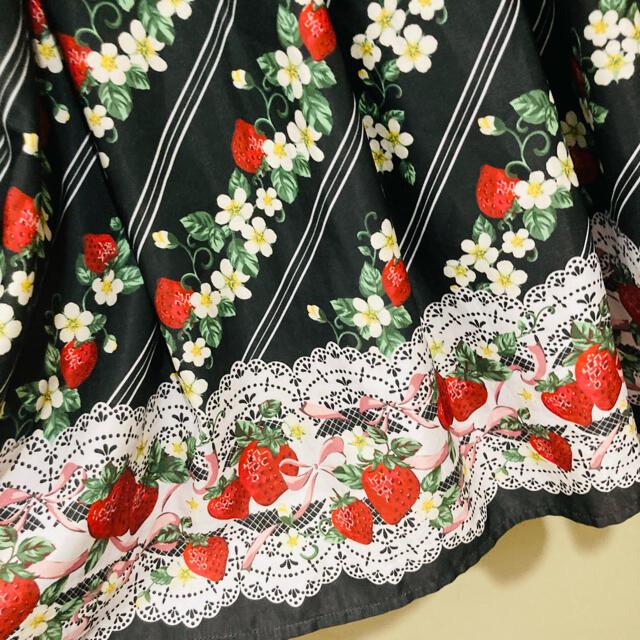 axes femme(アクシーズファム)のいちご柄カットワンピース 黒 axes femme kawaii レディースのワンピース(ひざ丈ワンピース)の商品写真
