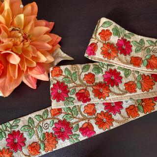 インド 刺繍リボン 花 金 オレンジ ピンク ヴィンテージ  チロリアンテープ (各種パーツ)
