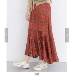 ケービーエフ(KBF)の美品 KBF シアーストライプフラワースカート (ロングスカート)